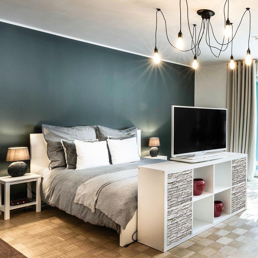 Bist Du Von Dem Zimmer Auch So Begeistert Wie Wir Unsere Cover In Steinoptik Geben Dem Modernen Schlafzimmer Den Zimmer Modernes Schlafzimmer Steinoptik