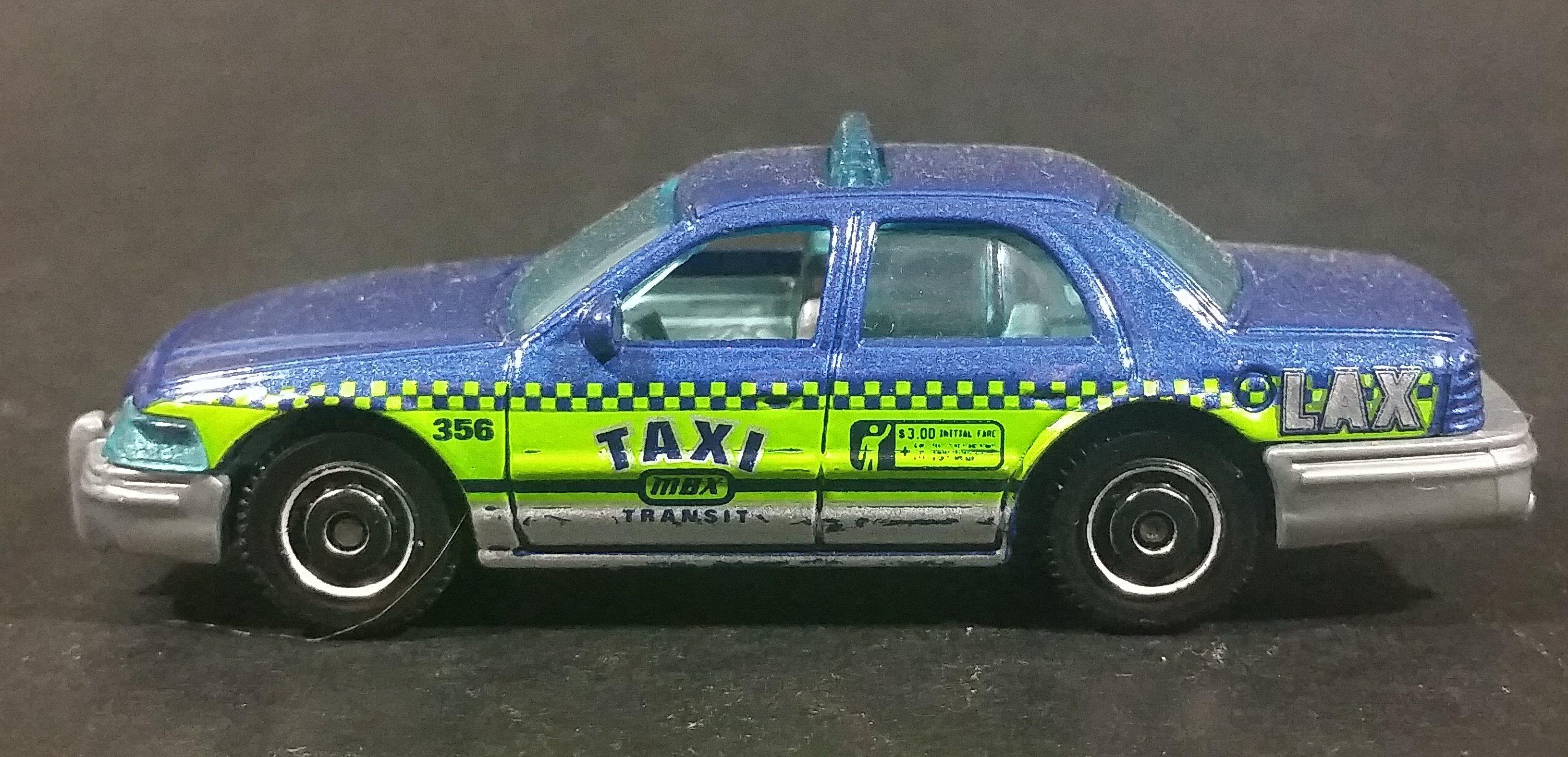 2016 Matchbox City 2006 Ford Crown Victoria LAX Taxi Blue Die Cast
