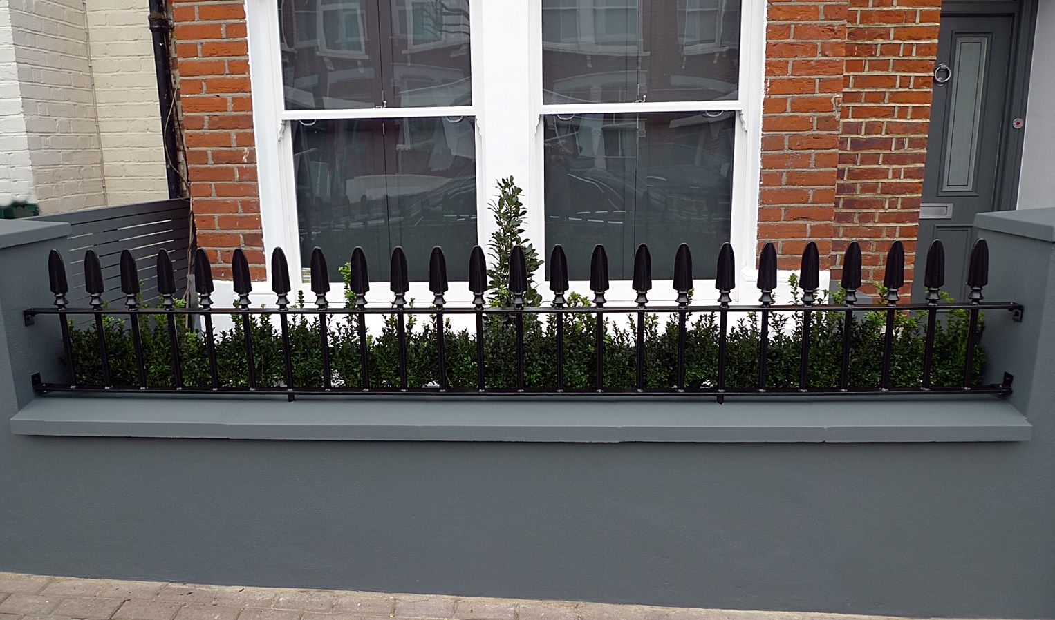 Wrought Metal Rail Gate Grey Walls Cap Coping