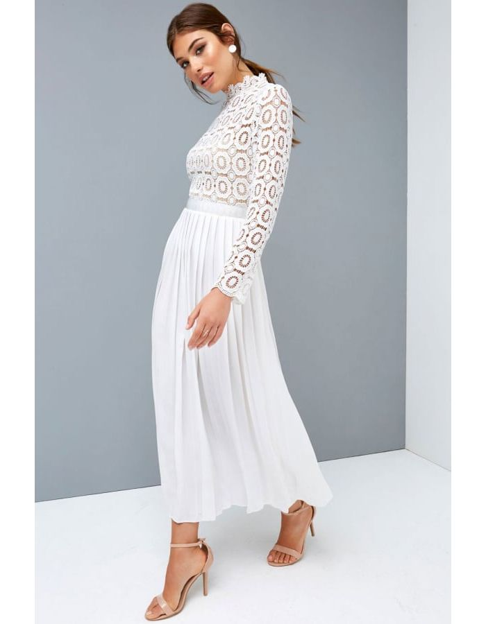 10 mother of the bride and groom outfits for summer 2018 - Lace white dress, Groom outfit, Bride and groom outfits, Engagement party dresses, Crochet maxi dress, White dress outfit - Here are 10 of our favourite mother of the bride or groom outfits for 2018 summer weddings