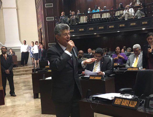Ramos Allup: La Contraloría quiere ocupar la AN sin cumplir los procedimientos legales - http://wp.me/p7GFvM-C7a