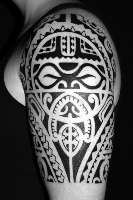 voodoo croo polynesisches tattoo tahiti tattoo oberarm. Black Bedroom Furniture Sets. Home Design Ideas
