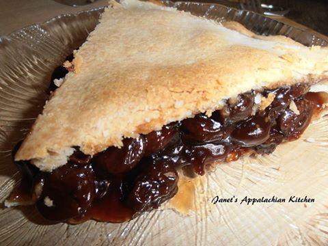 Old Fashioned Raisin Pie 4 C Water 4 C Raisins 1 C Light Brown Sugar 5 T Cornstarch 1 2 Tsp C Old Fashioned Raisin Pie Recipe Raisin Pie Raisin Pie Recipe