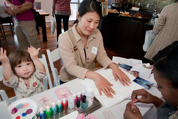 Pop Up Nail Bar At The Toren With Piggy Paint And A Child Grows In