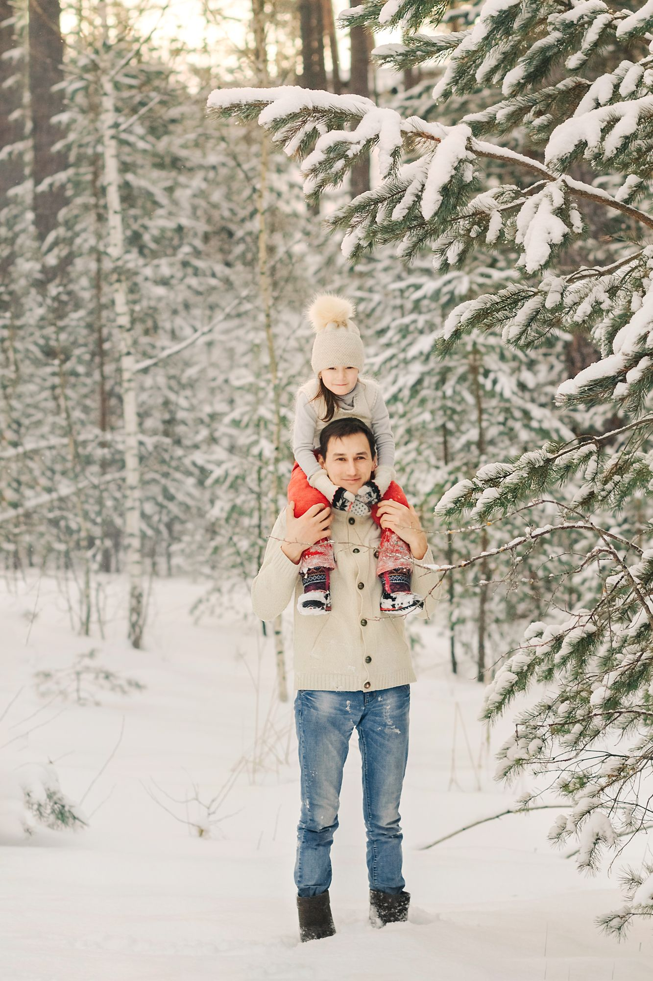 Winter family photos, couple, husband, wife, son, daughter