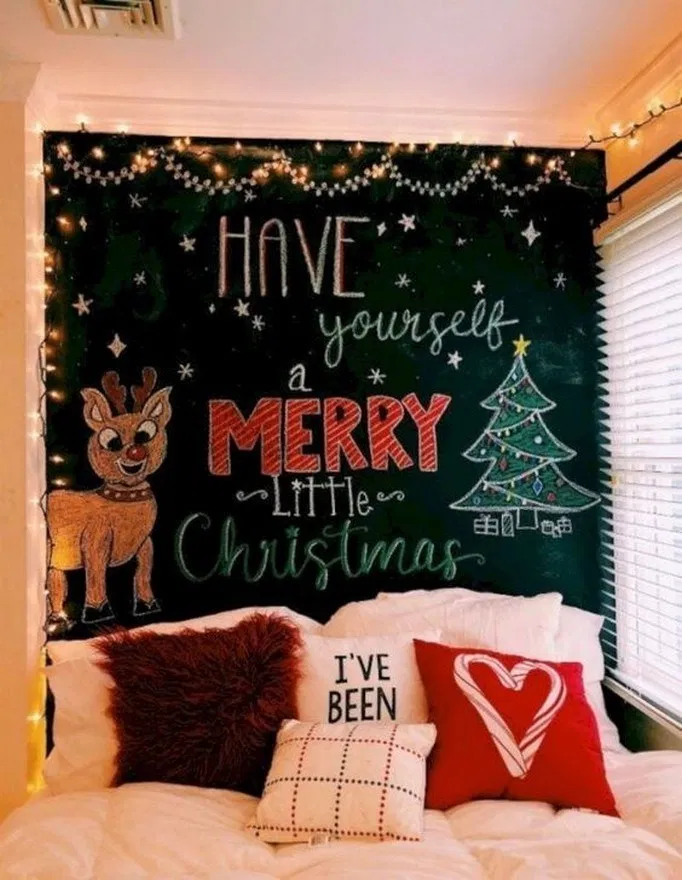 11 Pretty Christmas Decoration Ideas For Your Bedroom Bedroom Bedroomideas Bed Pretty Christmas Decorations Christmas Decorations Bedroom Christmas Bedroom