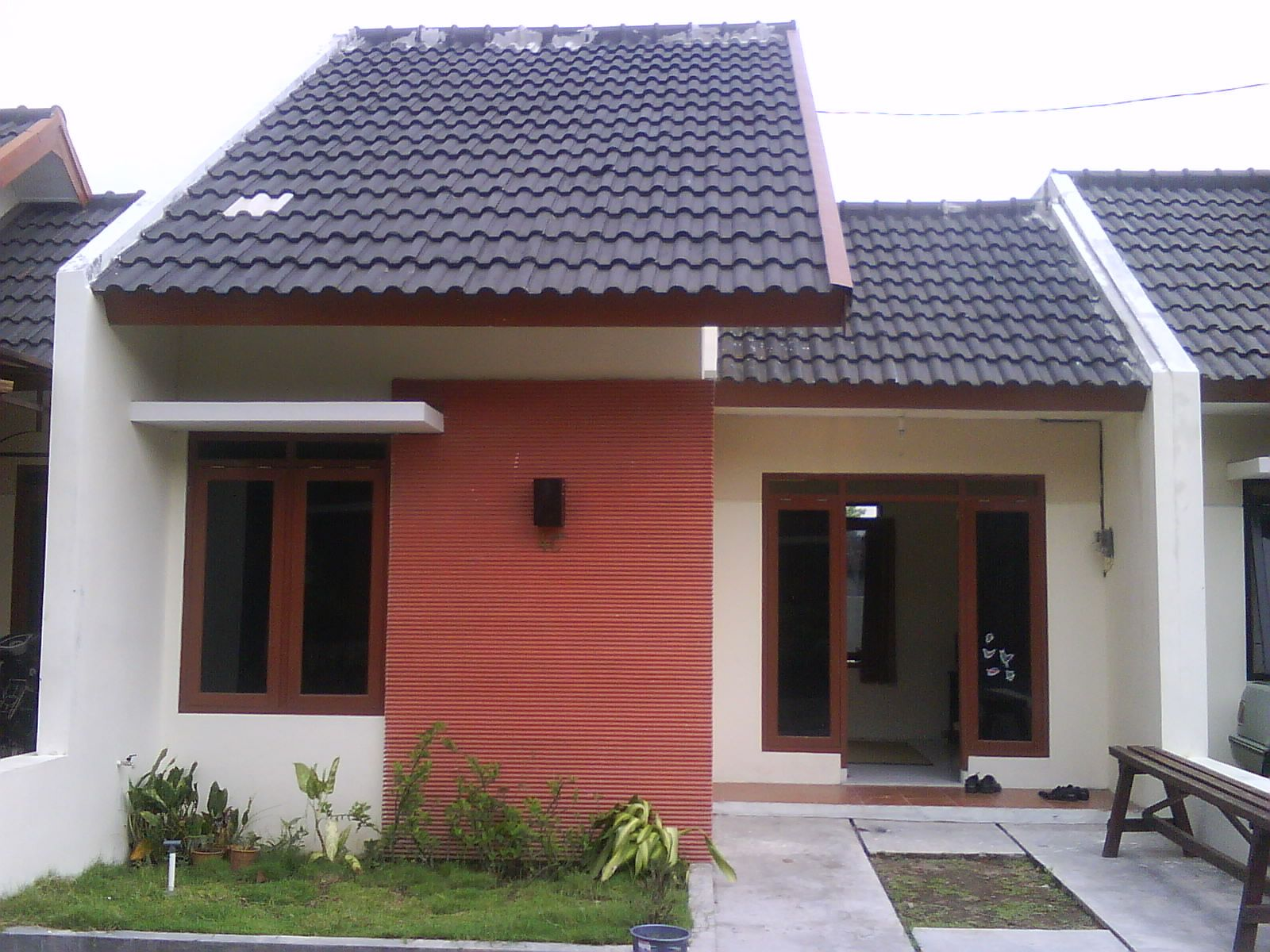 Rumah Minimalis Type 36 60 Nulis In 2020 One Storey House Facade House Small House Design