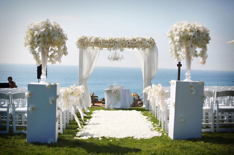 Gorgeous Outdoor Ceremony Venue All White Wedding: Gorgeous All White Wedding Trellis/Arbor And Ceremony