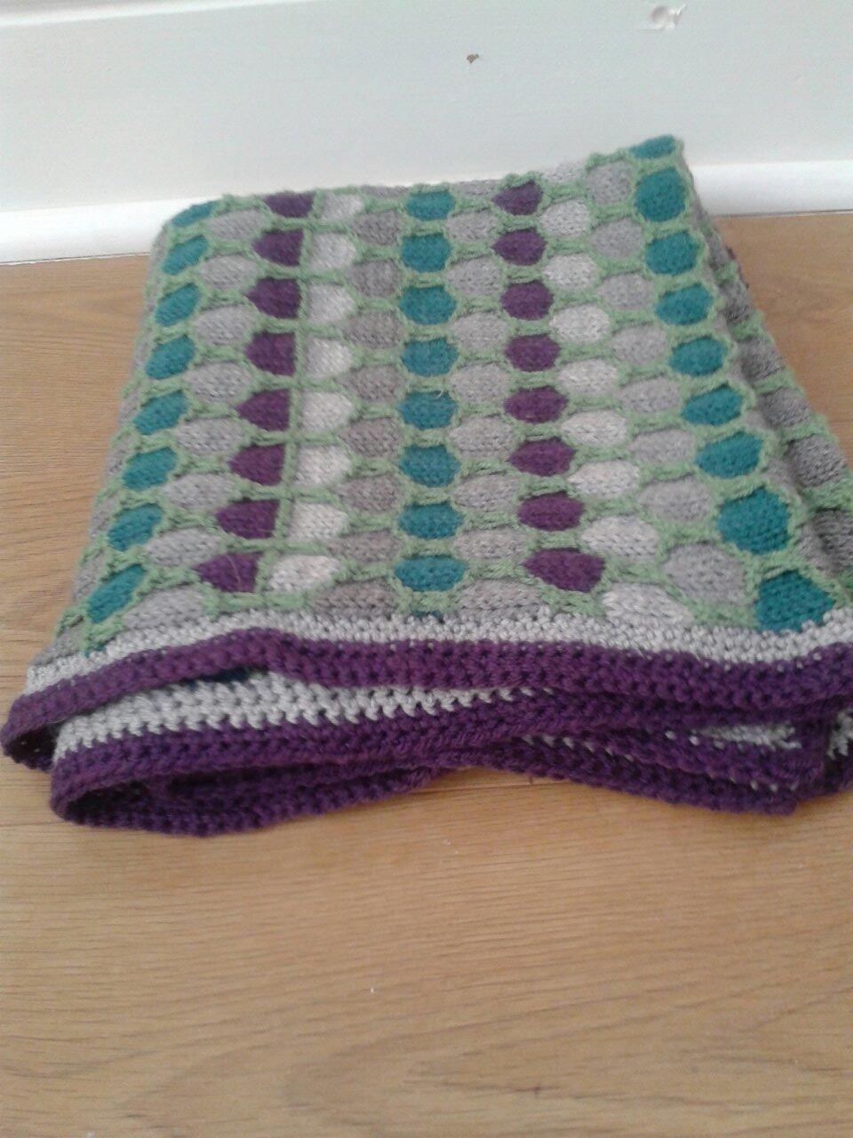 Honeycomb blanket with crochet edging | Baby knitting | Pinterest ...