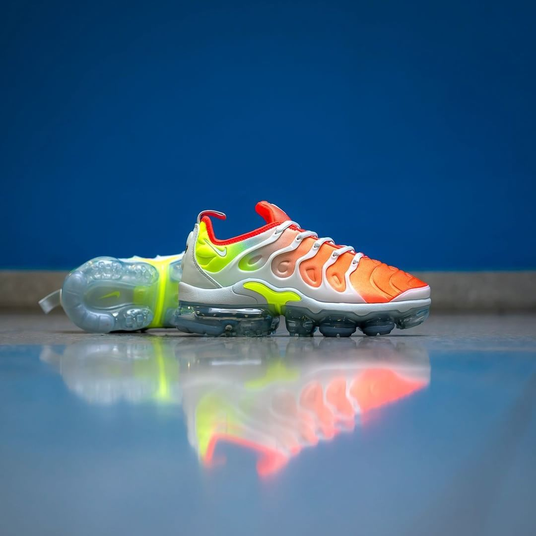 49a1a0bc4b Release Date : March 29, 2018 Nike Air VaporMax Plus « Reverse Sunset »  Credit : Overkill