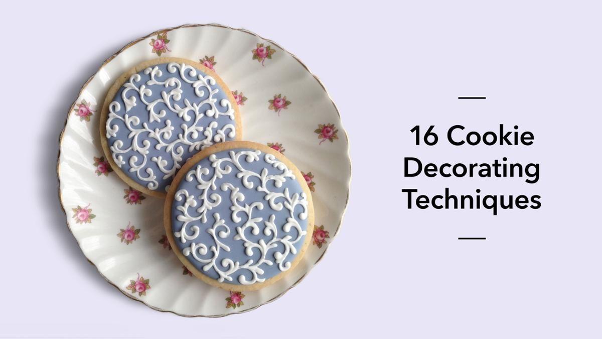 16 Cookie-Decorating Techniques Cake Decorating Class   Bluprint