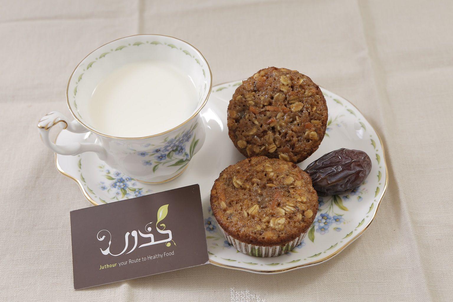 مافن لذيذ مصنوع من نخالة الشوفان وبذور الكتان من جذور Food Cake Breakfast