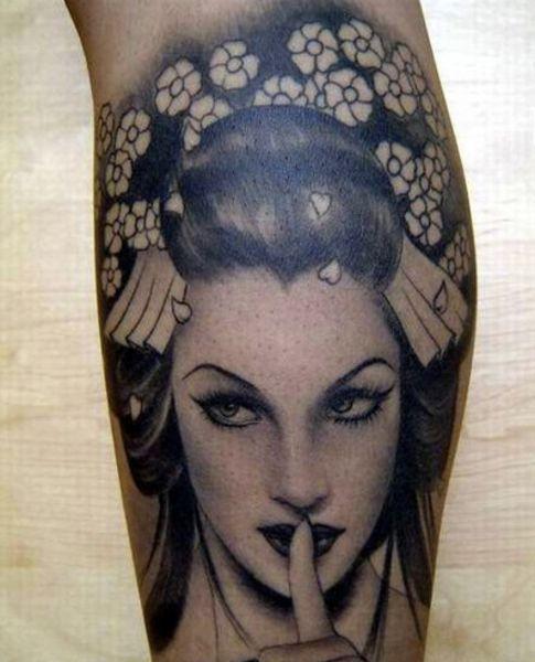Realistic Black And Grey Geisha Tattoo Design By Kat Von D Tatuagens De Retratos Tatuagens Belas Tatuador