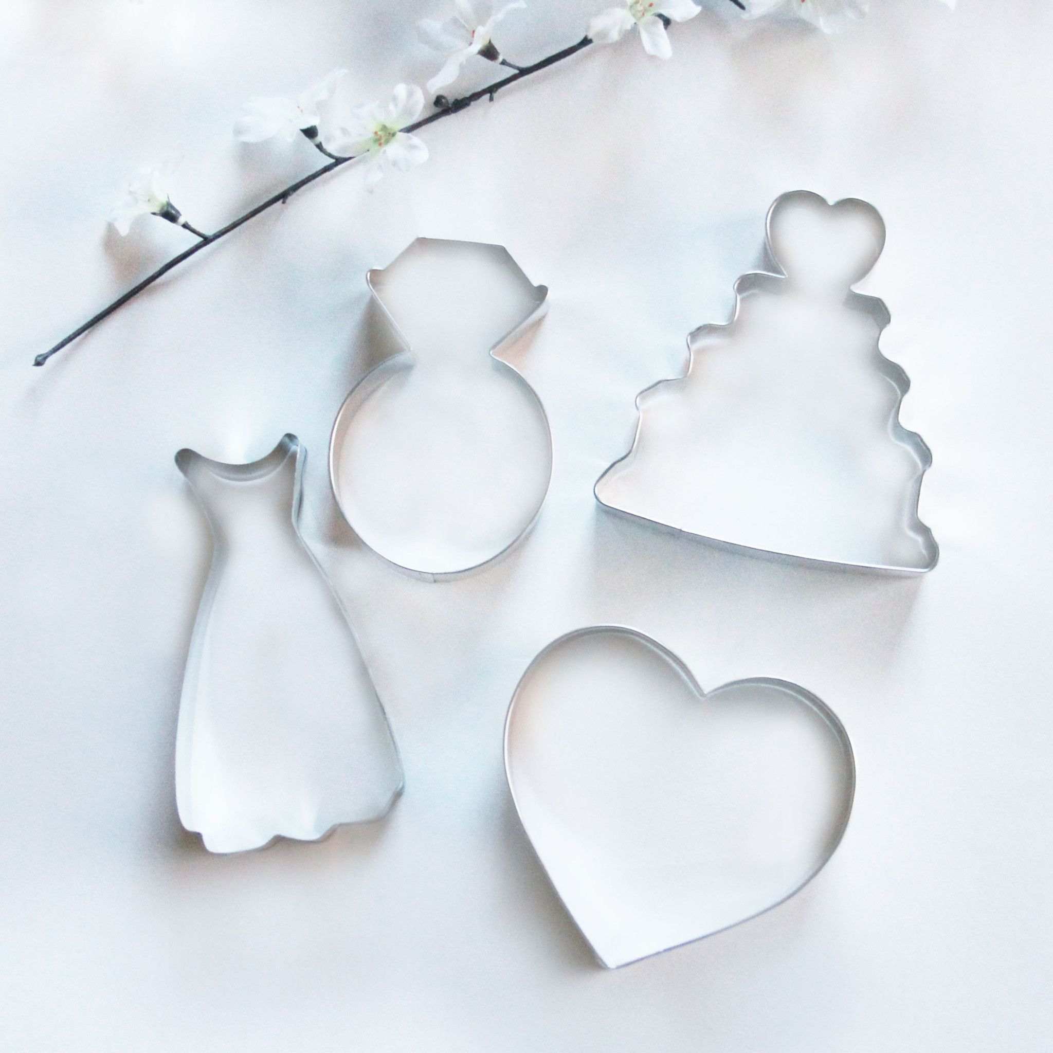 Perfect For Your Bridal Shower Sweets Table Packaged Diy Favors Or This Delightful Set Includes 4 Cookie Cutters Wedding Cake X