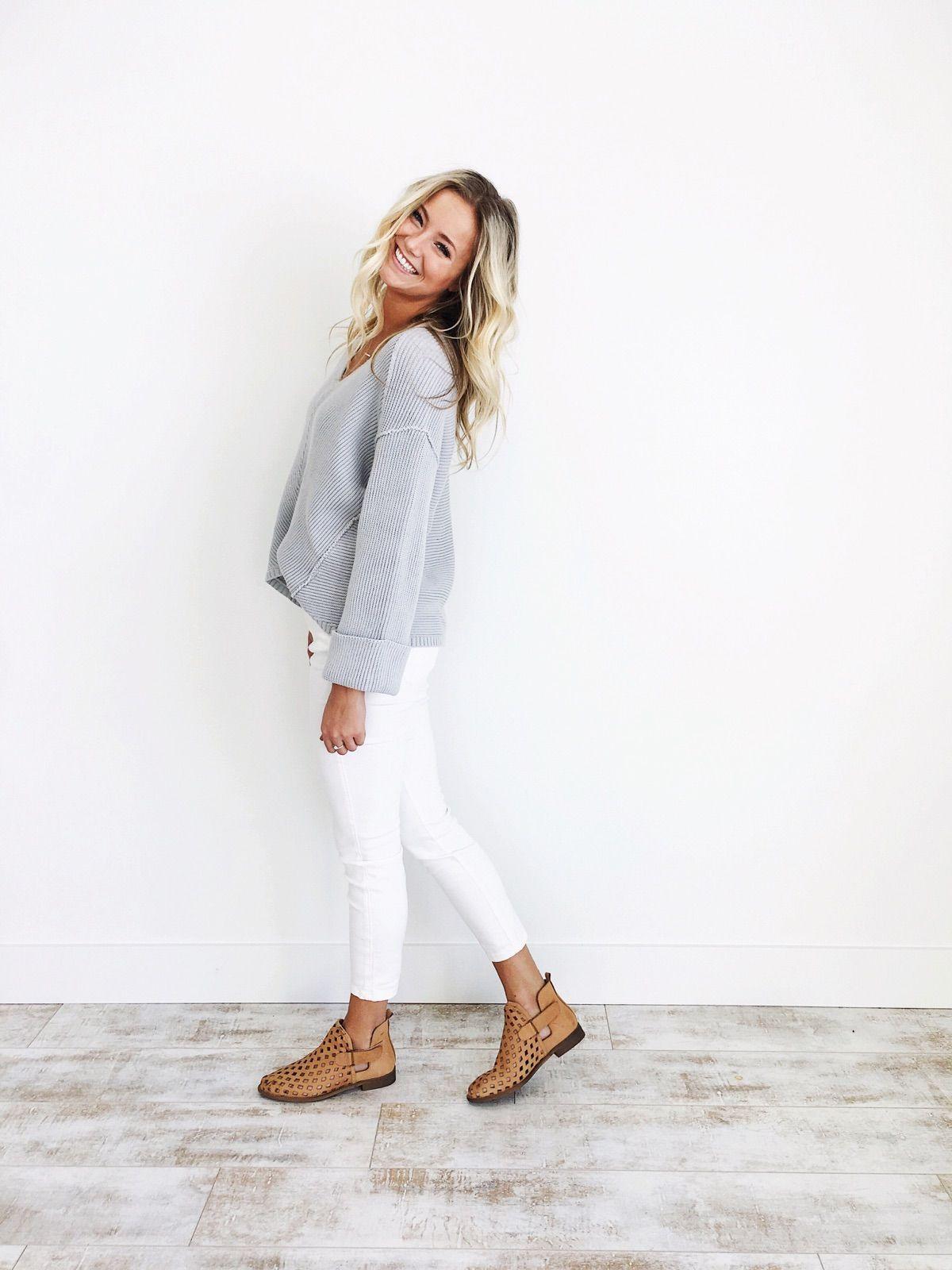 5d43798346 Fall Style  La Brea V-Neck Sweater in Slate Grey