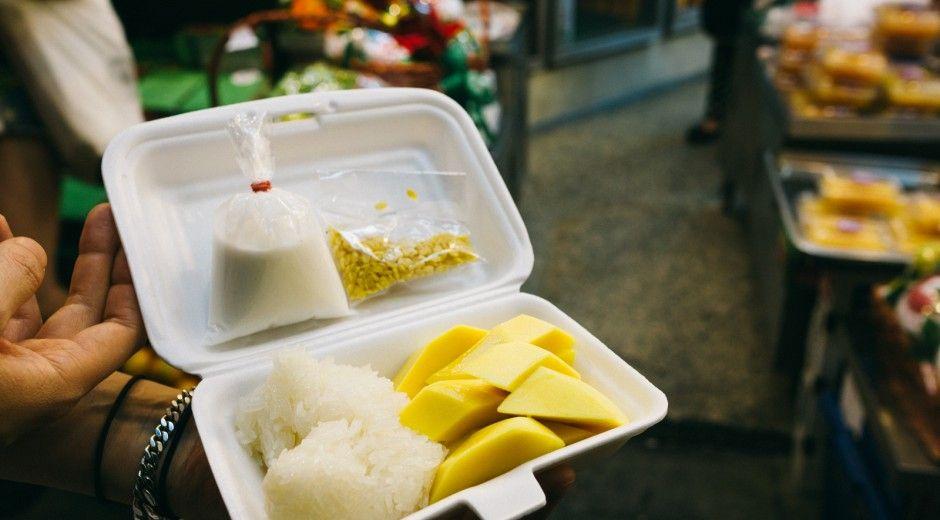 Best Mango Sticky Rice in Bangkok, Thailand at Maevaree's Fruit ...