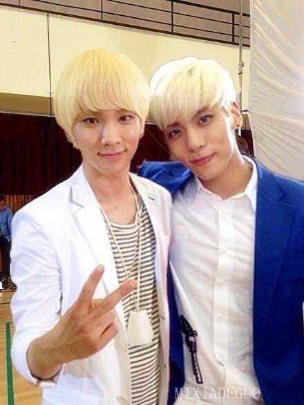 Blonde Buddies 3 Key And Jonghyun With Images Jonghyun Shinee
