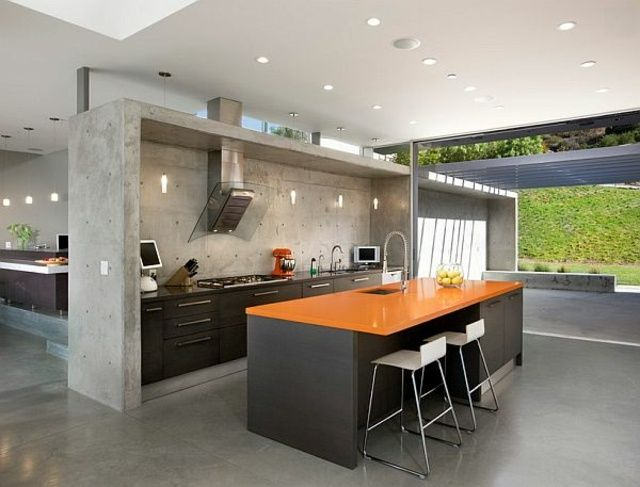 dunkles Holz Kücheninsel orange Theke Arbeitsplatte Marmor Fronten - kücheninsel mit theke