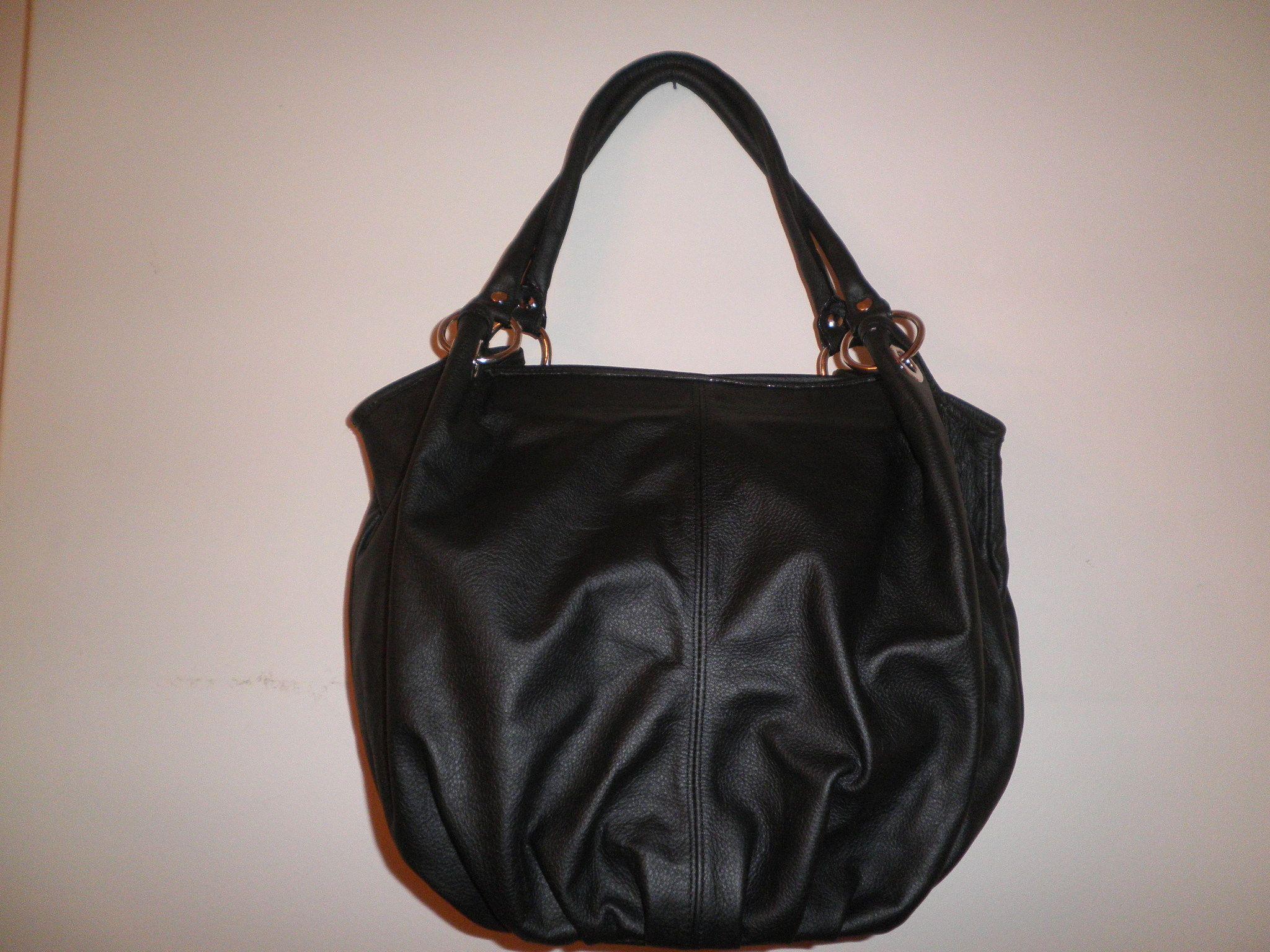 1db14dc5e Cartera (tipo bolso) de cuero negro   carteras   Bolsos de cuero ...