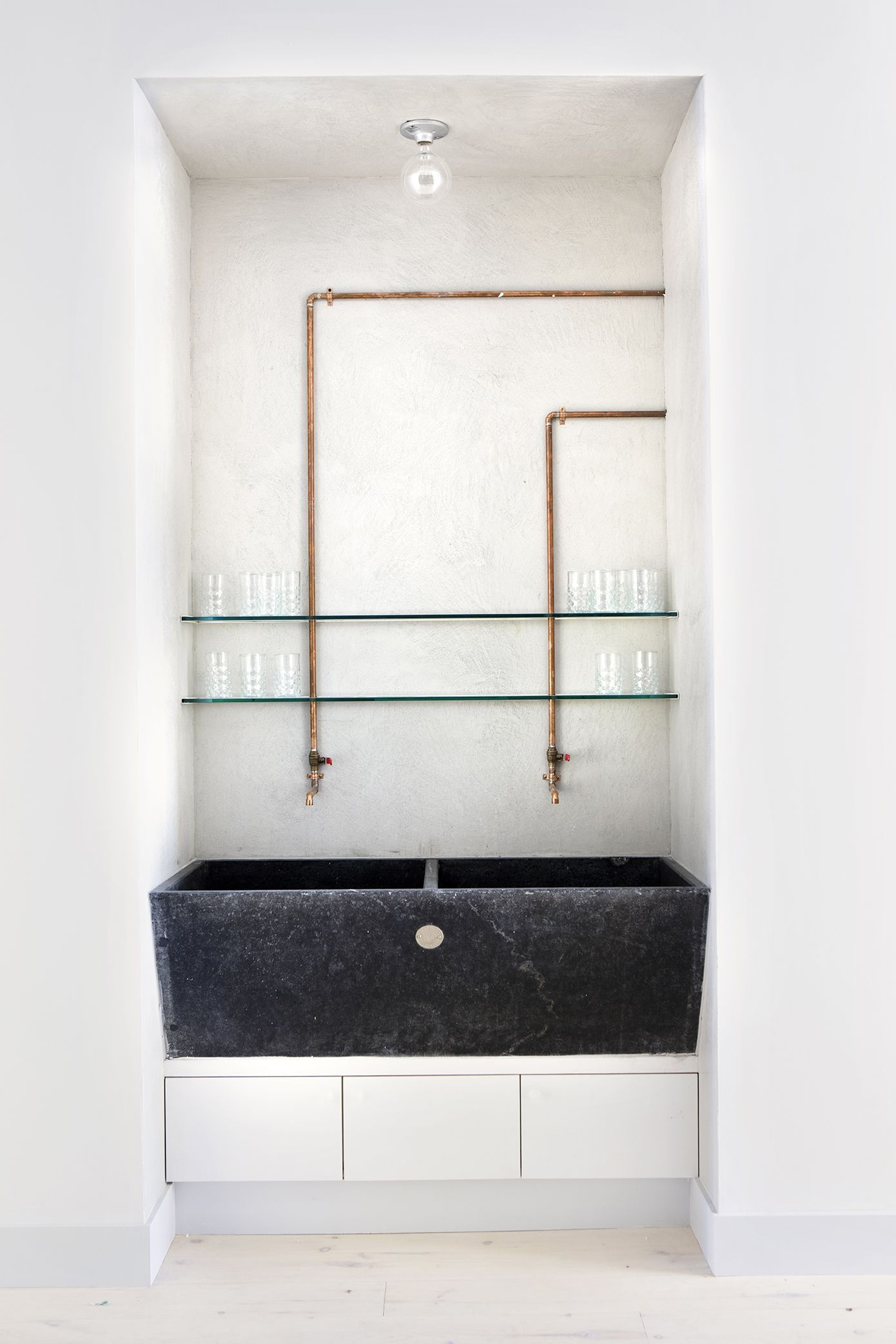 hgtvcom by perfect in nip william book built eyagci small storage tuck shower canada bathrooms for bathroom ci of remodeling rend com solutions