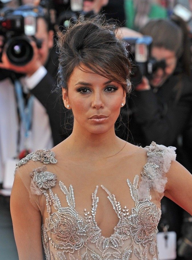 chignon eva longoria 1 wedding peinados de fiesta. Black Bedroom Furniture Sets. Home Design Ideas