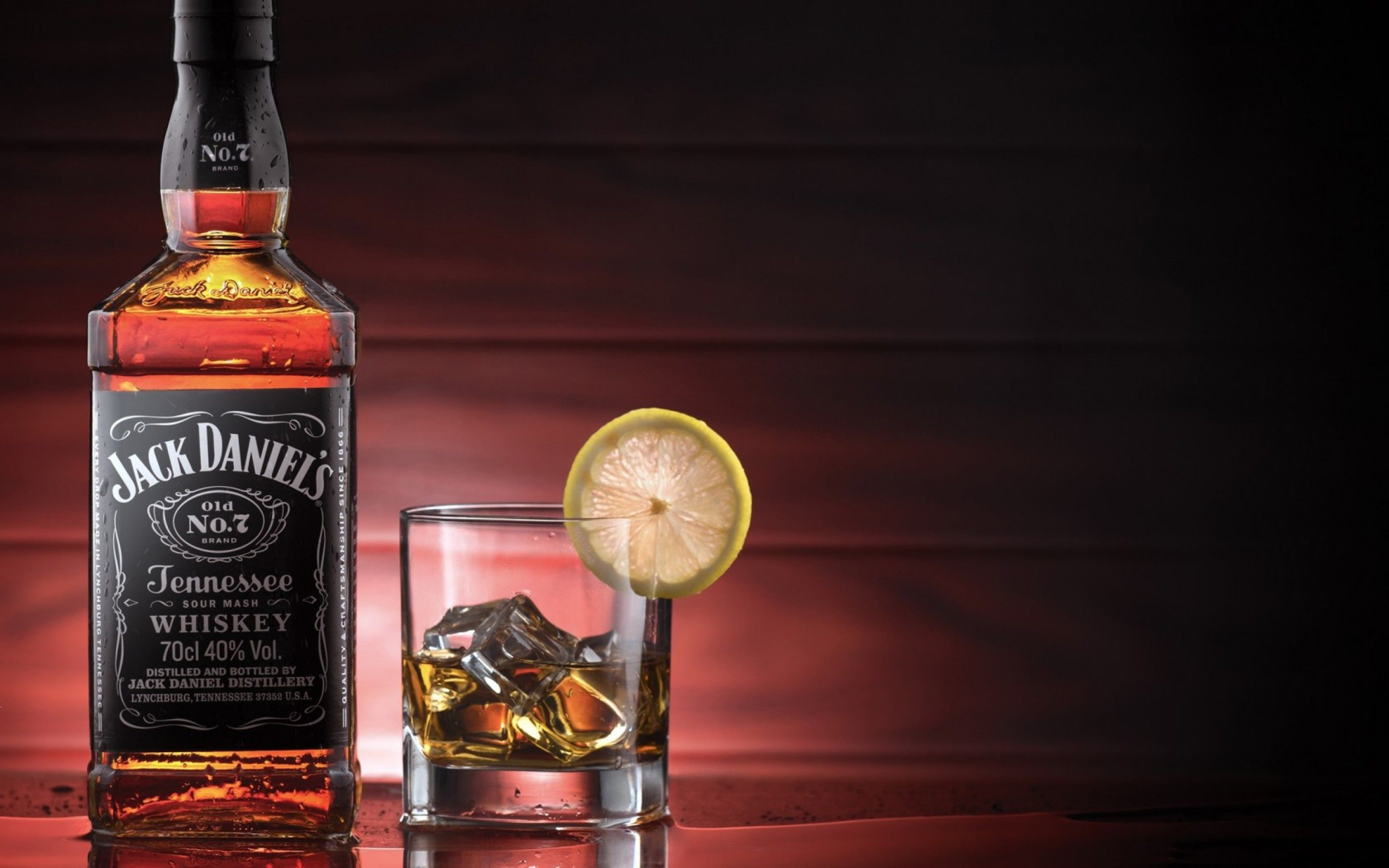 Jack Daniels No 7 Whisky Is A Brand Of Sour Mash Tennessee Whiskey That Is The Maximum Selling American Whiskey In The World It I Jack Daniels Whiskey Alcohol