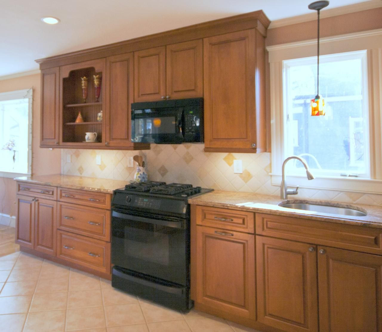 Kitchen Remodel Black Appliances: Traditional Cherry Kitchen With Black Appliances