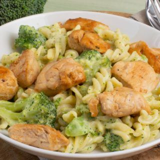 Photo of Creamy pasta with broccoli and chicken – Katha cooks!
