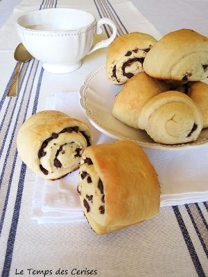 http://www.letempsdescerises.it/main/2012/08/girelle-con-gocce-di-cioccolato/#