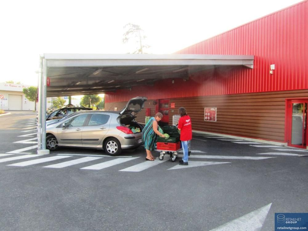 Auchan Drive (and E  Leclerc) in France are allowing
