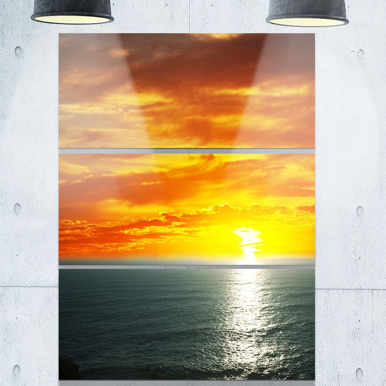 Designart \'Fantastic Sunset over Sea Waters\' Large Seashore Glossy ...