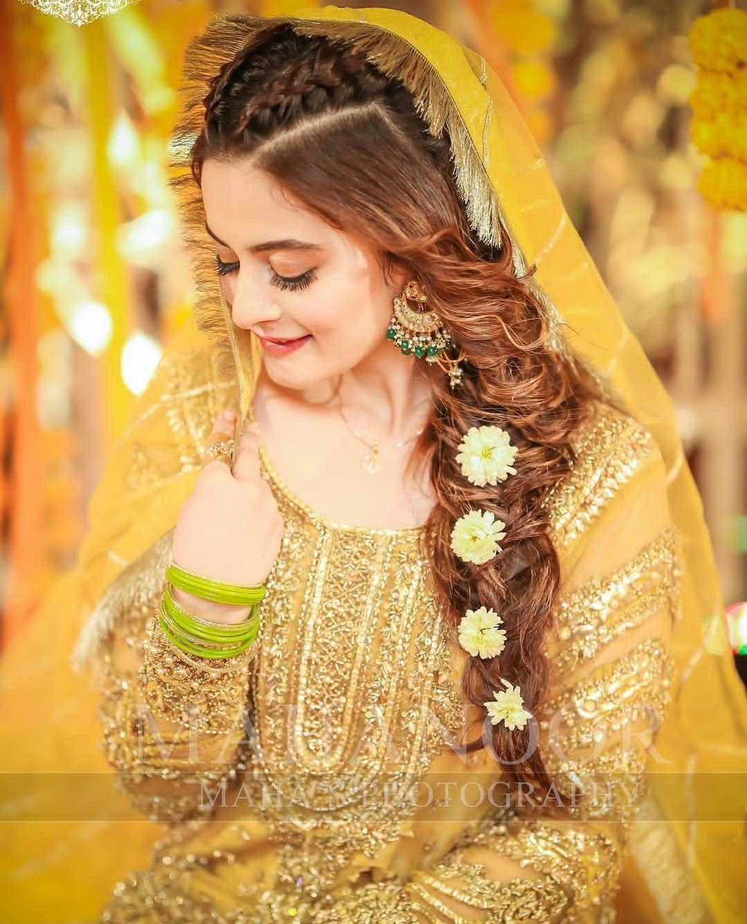 Bridal Mehndi Dresses, Pakistani Bride Hairstyle