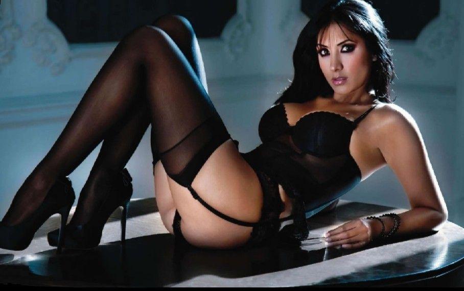 Alanis morissette nude music video