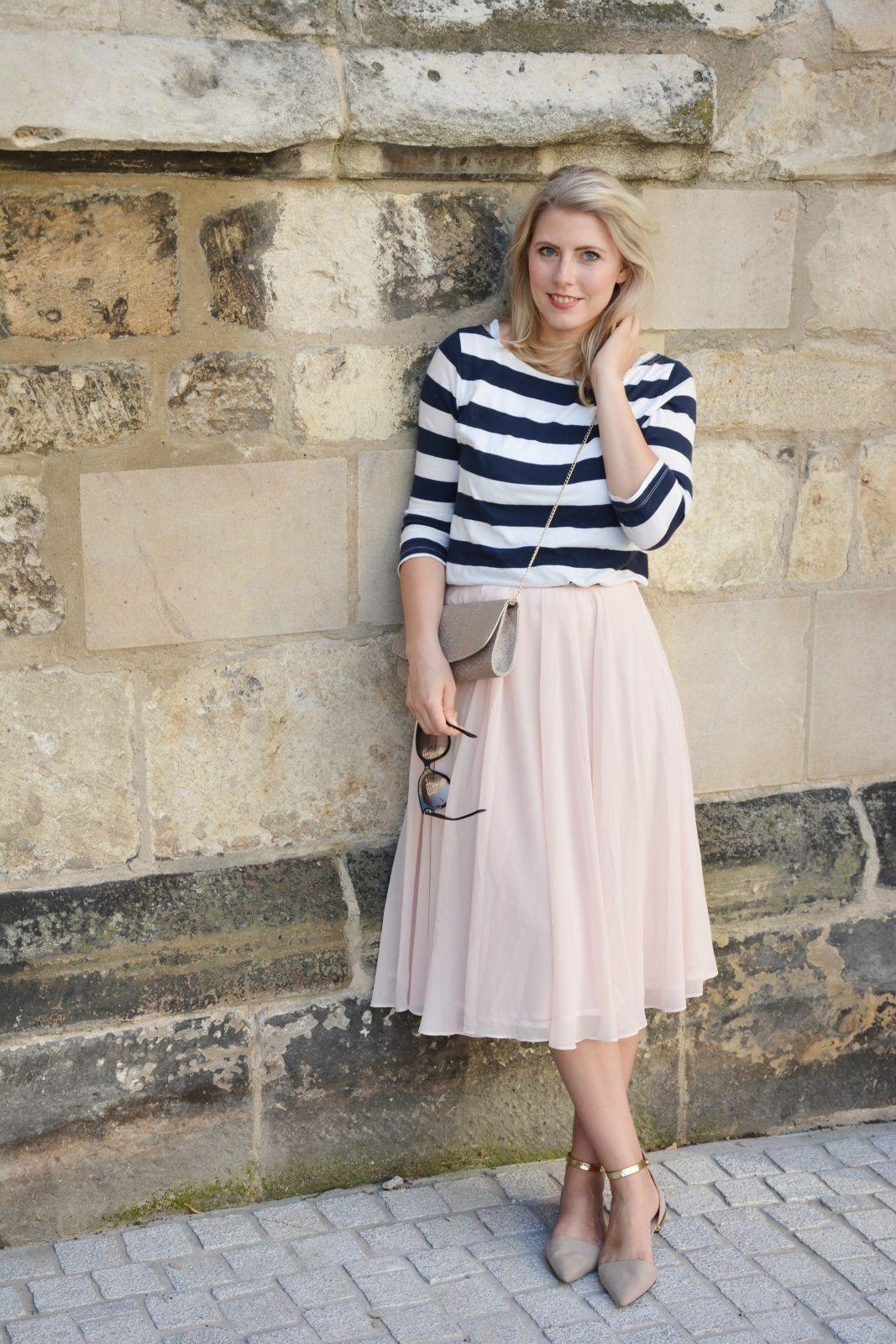 Carrie Moment - tulle skirt & stripes