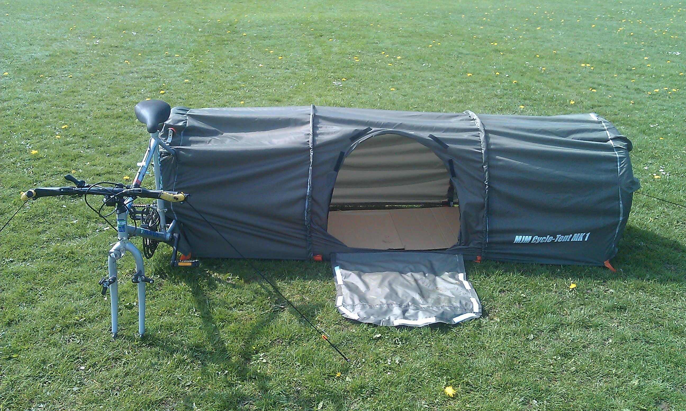 Bike Tent - Imgur This is the MJM cycling tent. The whole idea is that : bike tent - memphite.com