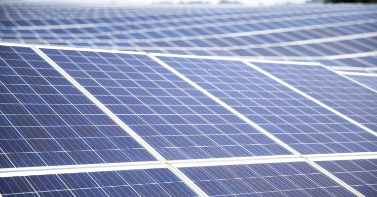 Tesla And Ge Are Installing Solar Rooftop Systems On 50 Home Depots Best Solar Panels Solar Panels Solar Installation