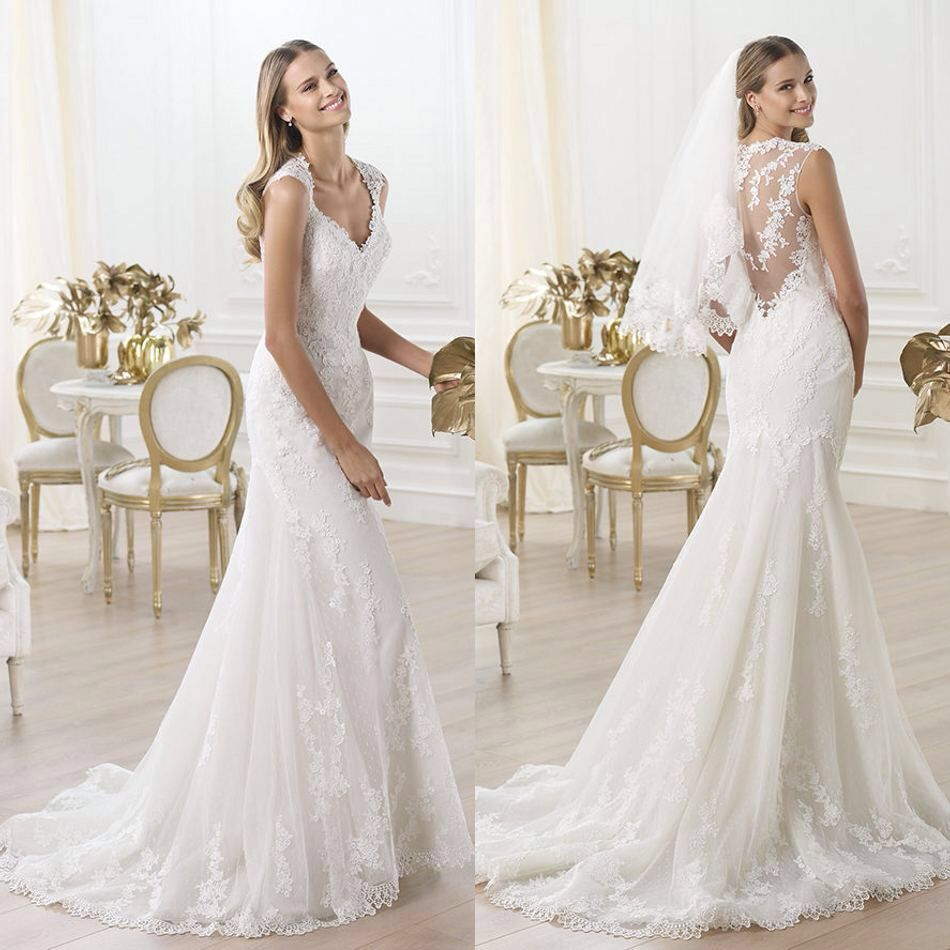 Afbeelding van http://femarea.com/wp-content/uploads/2015/10/lace-t-back-wedding-dress-5.jpg.