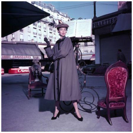 Dorian Leigh aux Puce, 1953