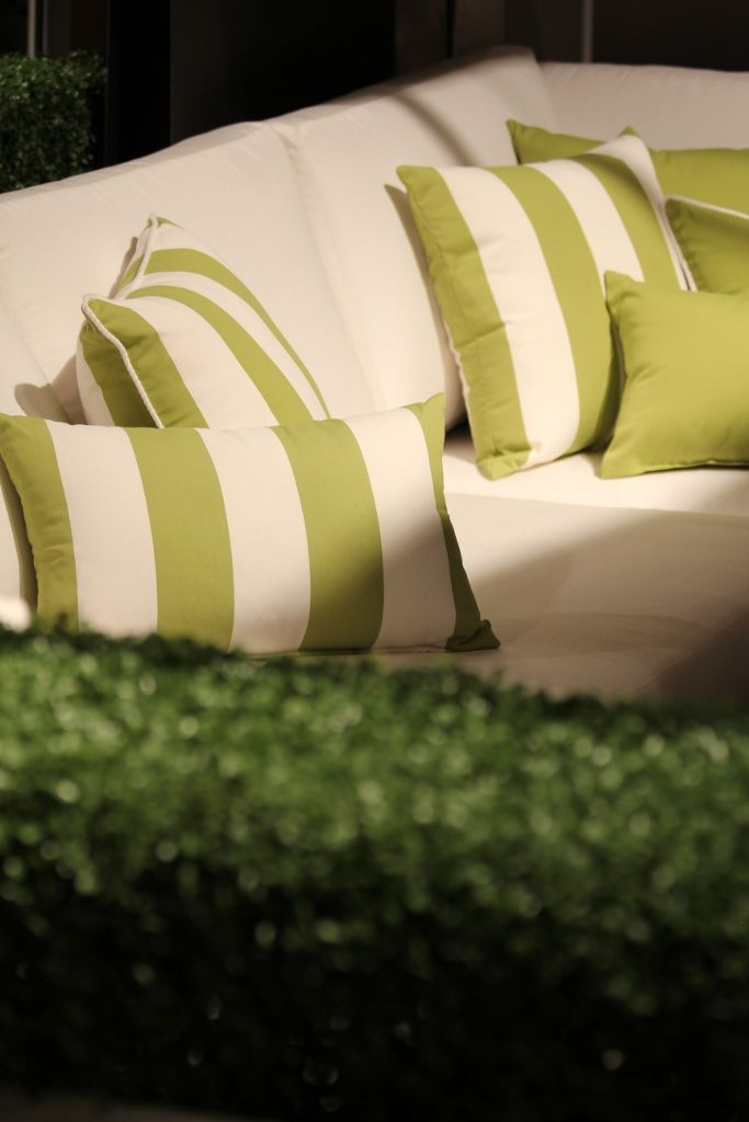 HAUSER   Patio Furniture White With Lime Green Pillow Accents