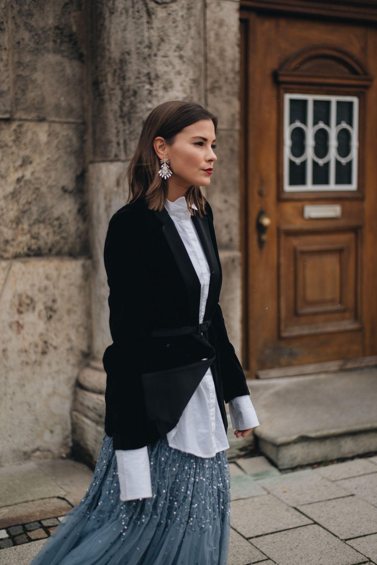 Silvester Outfit mit Tüllrock, Samt Blazer, Sock Boots & Statement ...