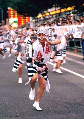 男性の阿波踊り