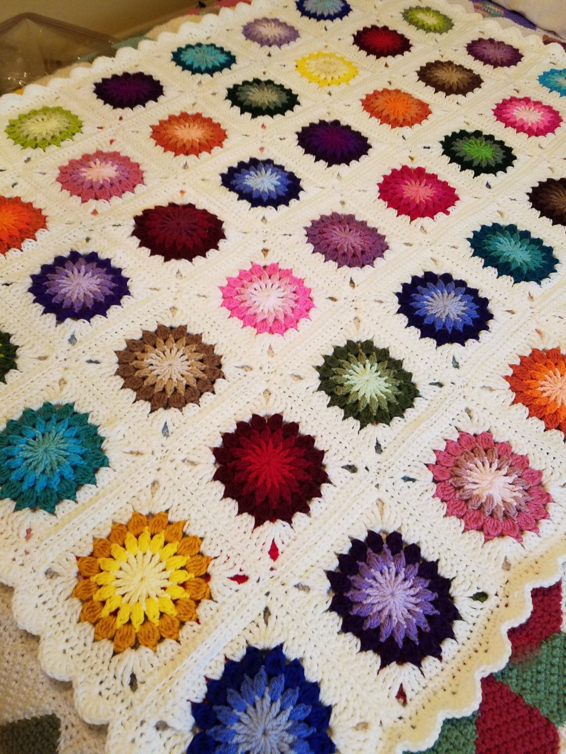 Colorful Sunburst Afghan by SimplyFromTheHeart on Etsy | Patrones ...