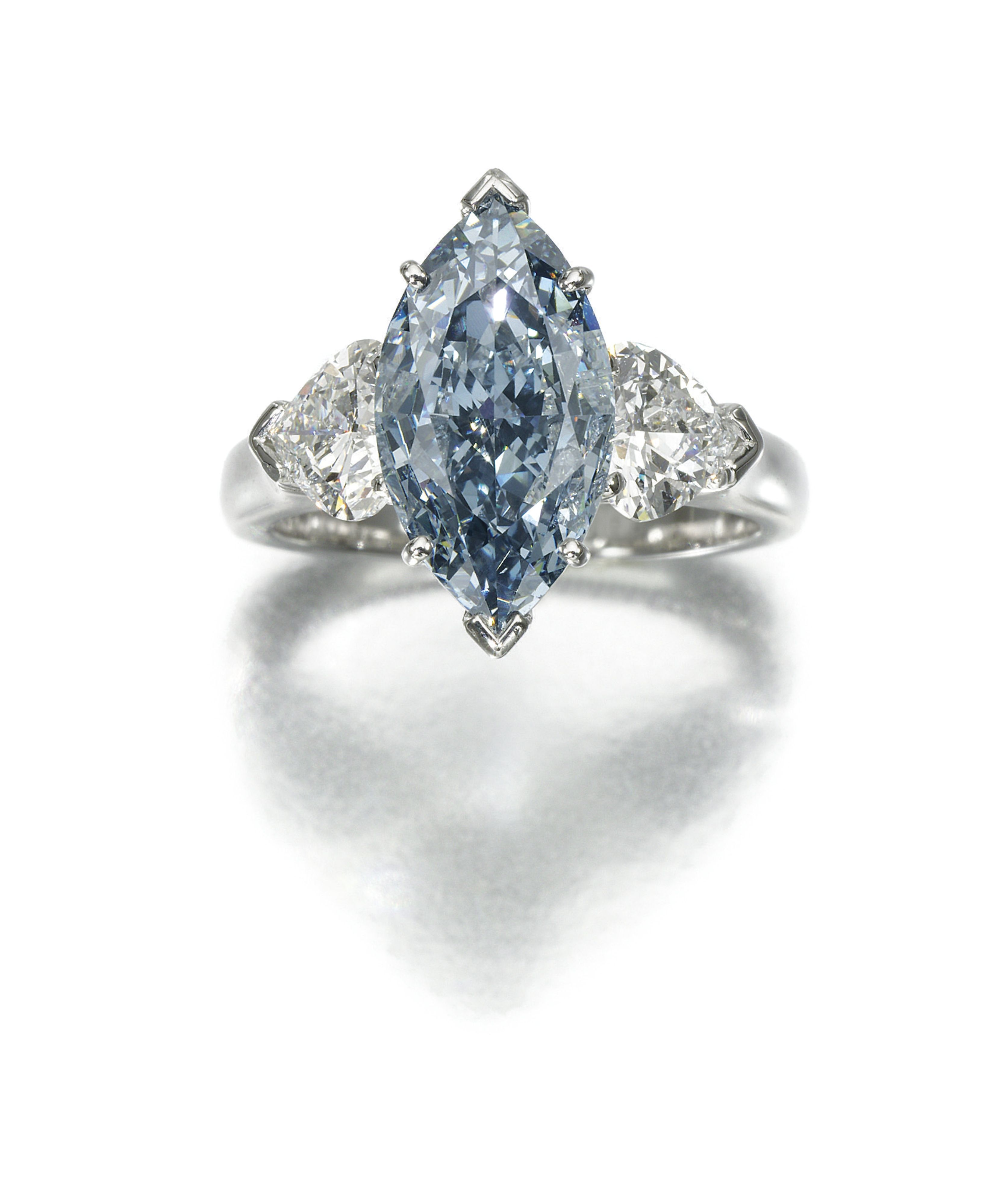 VERY ATTRACTIVE FANCY DEEP BLUE DIAMOND AND DIAMOND RING GRAFF