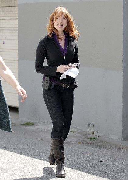 Alicia Witt Photos Alicia Witt Friday Night Lights Actress Is Spotted Walking To The Set Of The Upcoming Television Pilo Alicia Witt Hugh Grant Actresses