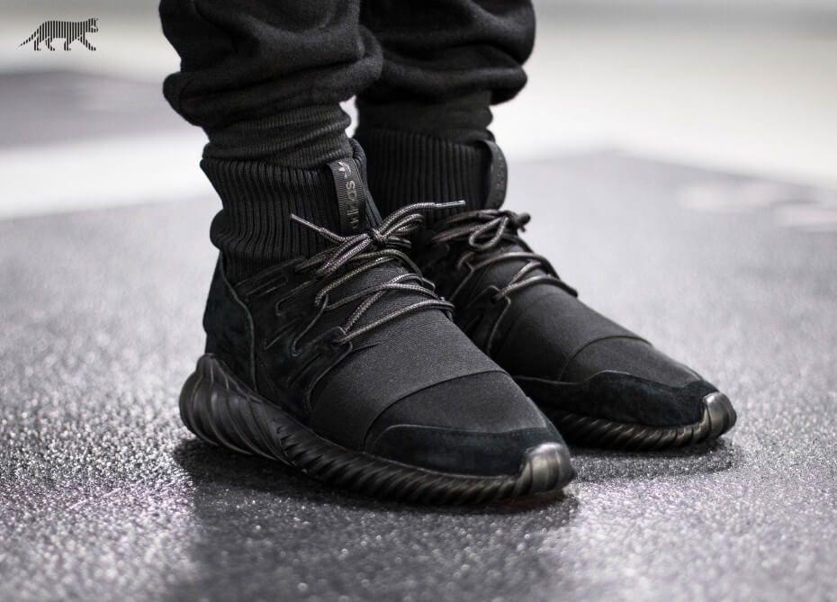 adidas Tubular Doom Triple Black