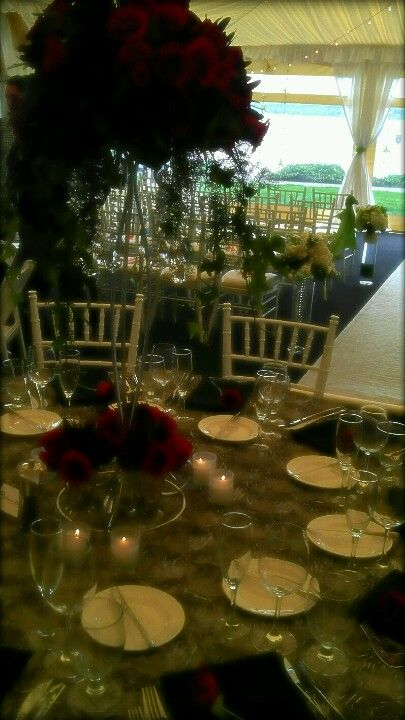 Ceremony and table setting in the Olympic Terrace at the Woodmark Hotel