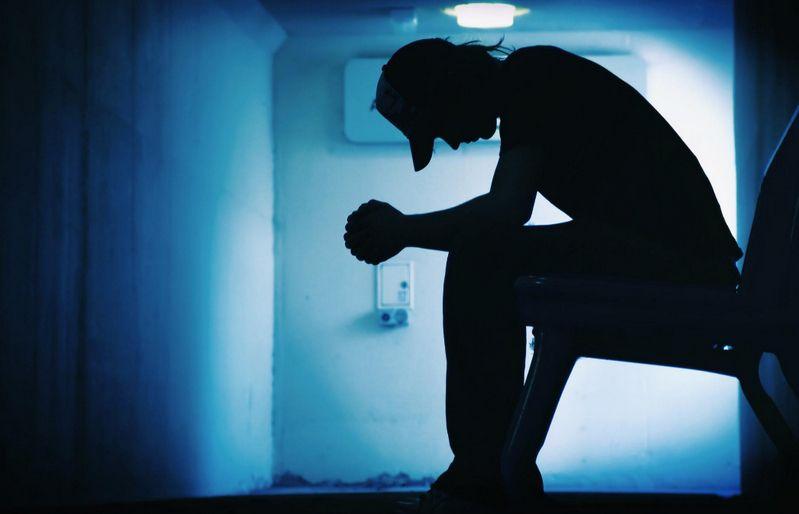 Наркомания в подростковой среде https://mozlife.ru/stati/society/narkomanija-v-podrostkovoi-srede.html  Одной из самых актуальных проблем нашего общества это проблема употребления наркотических препаратов. Особенно острой она стала в наше время из-за того, что к употреблению наркотиков привлекается все больше молодых людей, и даже несовершеннолетних.
