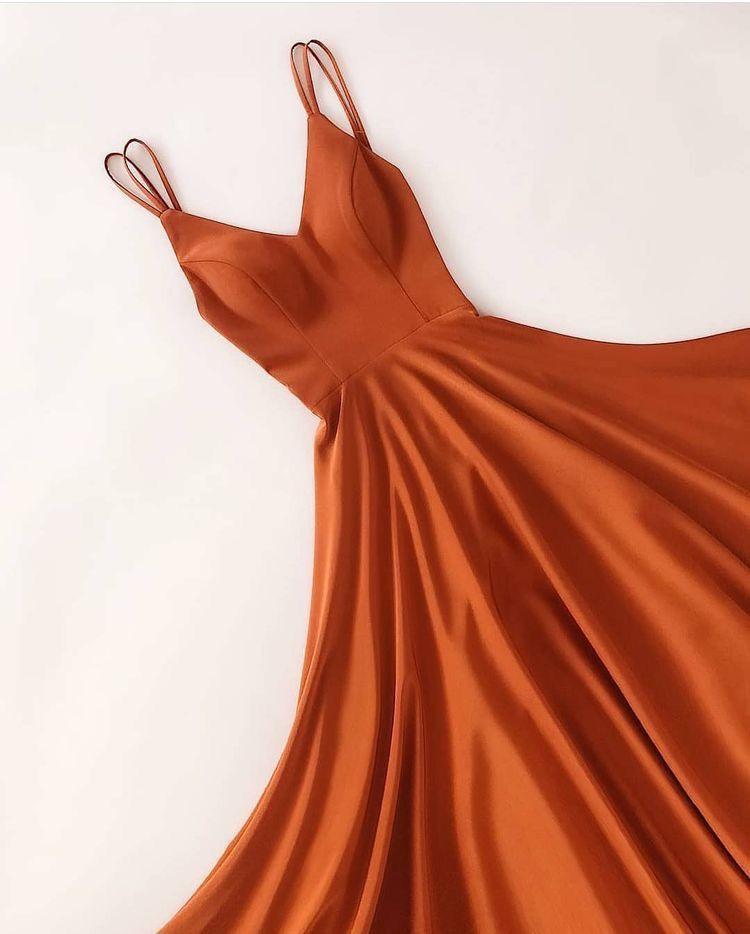 Pin De Sara En Ropa En 2019 Vestidos Guindas Vestidos De
