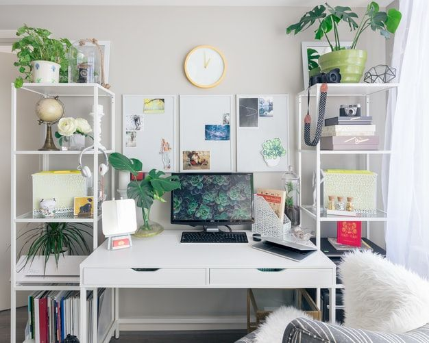 turned on flat screen monitor white wooden desk photo – Free Office Image on Unsplash
