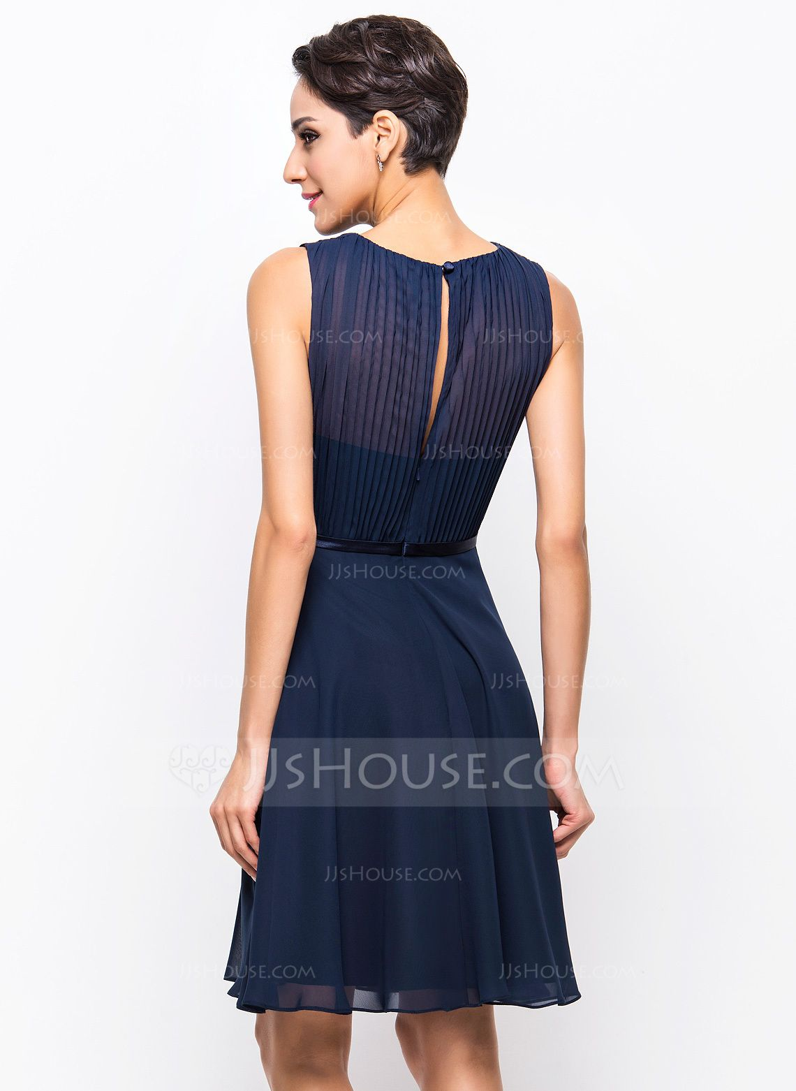 3d776ae9ac4 A-Line Princess Scoop Neck Knee-Length Chiffon Cocktail Dress With Pleated  (016055951) - JJsHouse